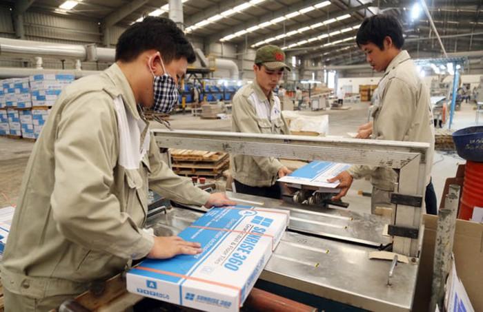 Gạch ốp lát Hoà Bình Minh đăng ký bán toàn bộ gần 3,5 triệu cổ phiếu CVT, tương đương 9,52% vốn điều lệ của CMC.